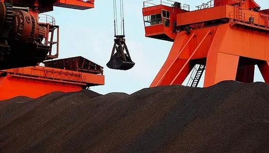 铁矿石价格暴跌40%!淡水河谷降Q4产量400万吨:2024年前供应过剩